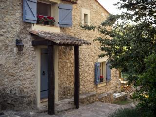 Charming traditional stone house, private pool., Bagnols-en-Foret