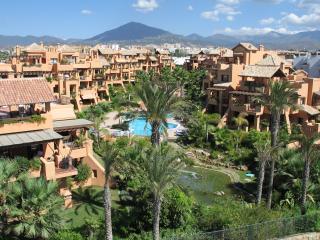 Front Line Beach Apartment, San Pedro de Alcantara