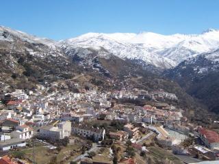 Apts Santa Bárbara 3B 2/4 pax (centro del pueblo), Güéjar Sierra
