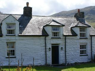 Tyn-y-Fach Holiday Cottage