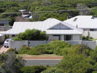 Beachside Prevelly Villas Pet Friendly Beach house, Margaret River