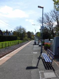 North Berwick railway station with direct and regular train service to Edinburgh Waverley