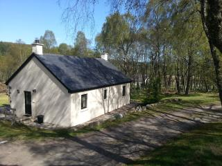 Front of Grant cottage-very peaceful