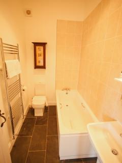 Swift Barn Bathroom 1