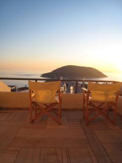 Stunning views from upstairs balcony to the Athens Riviera and the small island 'Arsida'
