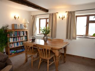 Dining area in Barley Cottage