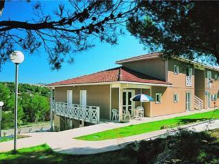 12900-Apartment Carnoux, Carnoux-en-Provence
