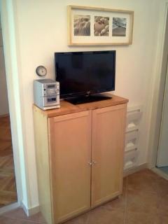 tv&small cabinet