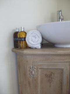 Washbasin in twin room
