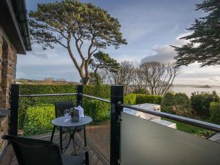 Cornwall stunning Sea Views Modern Apartment,Flat,Balcony,Parking,Garden,Poldark