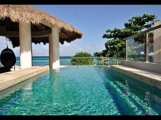 "'Oceanfront Home Pool Jacuzzi"", Playa del Carmen"