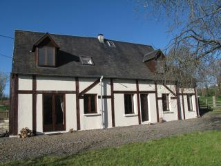 La Befferie 3 ensuite bedrooms, rural S Normandy