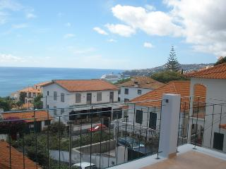 Vila Rosa - Perfect sea view & near to old town, Funchal