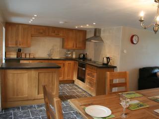 Kitchen with intergrated applicances