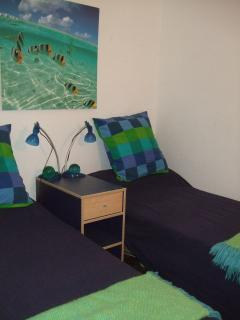 cosy bed 4 with twin beds - ideal for children/singles