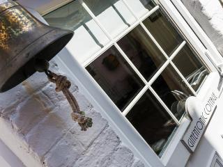 Ginentonic Cottage entrance