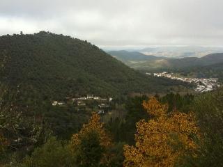 Casas Río Múrtiga. Casas junto al Rio.En la Sierra