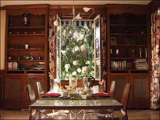 Indoor dining set