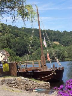 Historic Gabbare on river Dordogne