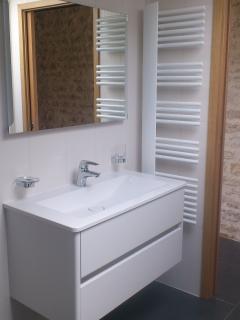 Le Chai du Parour : La salle d'eau (douche) / The bathroom (shower)