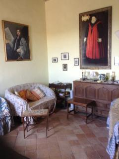 Middle reception room