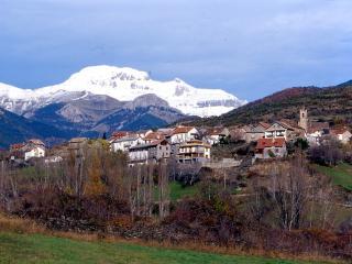 Apartamento para 4 personas en Jasa, CASA JUANGIL, Province of Huesca