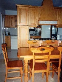 VILLA CORRIB kitchen