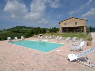 Villa Vada with A/C and a heatable pool, Guardistallo