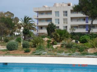 Luxury 2 Bedroom Corner Penthouse Apartment with Private Roof Terrace!!, Ibiza