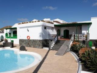 CASA JOSE MANUEL Bonita Villa con Piscina y jardin