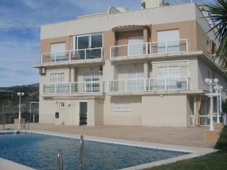 Apartamento con piscina y garaje, Torrox