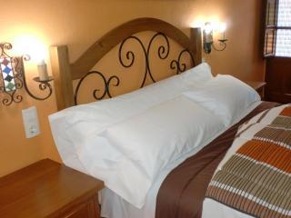 dormitorio planta de arriba con cama de 150 cm