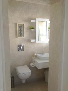 Bedroom 3 - En-Suite bathroom (see layout diagram)