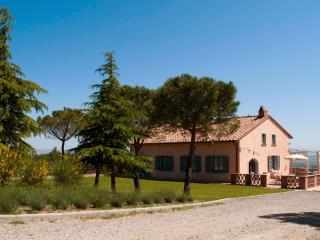5 bedroom Villa in Montepulciano, Siena and surroundings, Tuscany, Italy : ref
