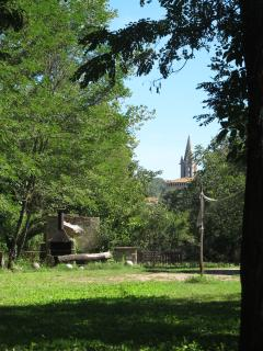 Jardín exterior con vistas a Sant Martí Vell