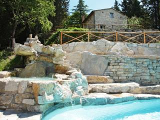 Ancient castle in the heart of Tuscany, 6 bedrooms, Gaiole in Chianti