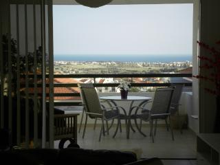 Excellent Sea View Apartment With FREE WiFi, Oroklini