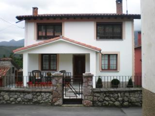 Apartamento de 3 habitaciones y caseta en Andrin