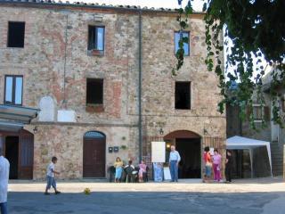 Casa Rural de 90 m2 de 9 habitaciones en Chiusdino