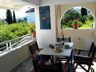 3 BDS apartment 5 min walk to the beach (300m), Drepano