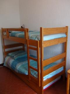Children bedroom:  bunk beds + pullout bed