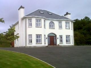 Rossmore: Rosswood House  (Sleeps 8 Max), Donegal Town