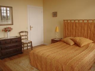 Appartement ORCHESTRE - salle de bains et W.C, Vieux-Pont-en-Auge