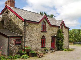 MAESGWYN rural location, pet-friendly, great walking area in Cardigan Ref 905771