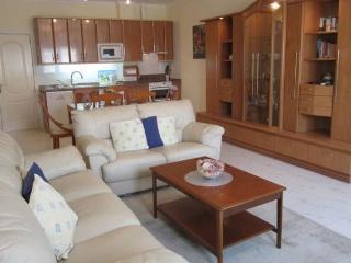 Apartamento con vistas al mar, cómodo y acogedor, Benajarafe