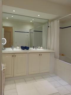 Grand bath room