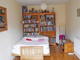 New spacious room in Oxford, Littlemore
