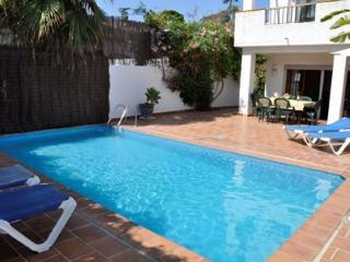3B 3BTH Villa private pool AC WiFi Parador area Nerja HLKAI