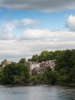 Perth City Centre Holiday Rental by River Tay
