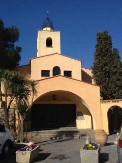 delightful church, Place Ottaviani, village provencal